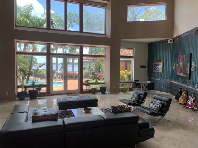 Living room view - Tikvah Lake Recovery
