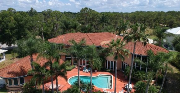 Image of the Tikvah Lake campus, used for 5 reasons why Florida is the best place to attend rehab blog post