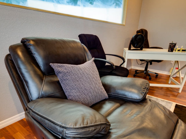 Image of Comfortable chair at Tikvah Lake Recovery