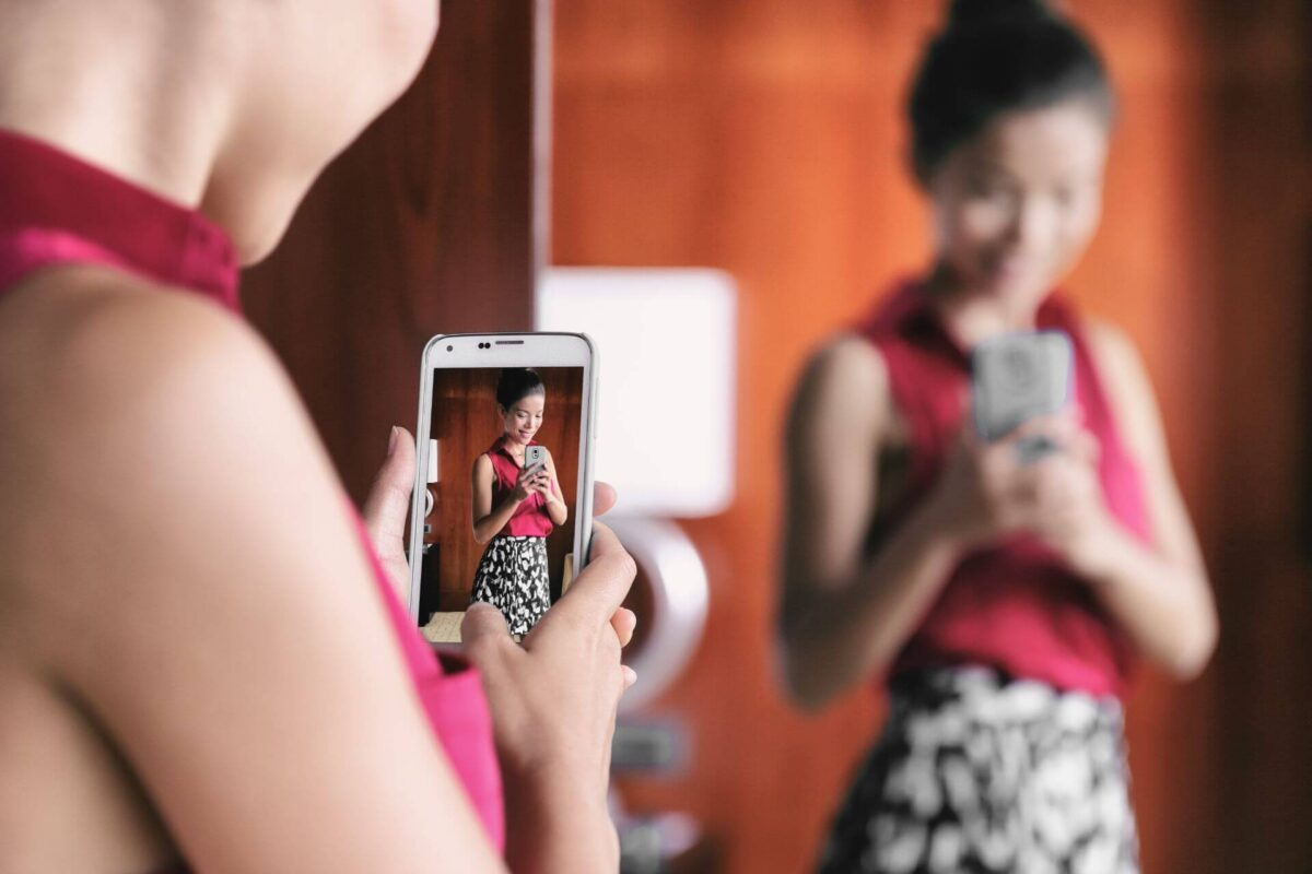 Signs and symptoms of Body Dysmorphic Disorder